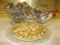 Heggy's Hard White Peanuts