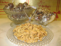 Heggy's Split Cashews